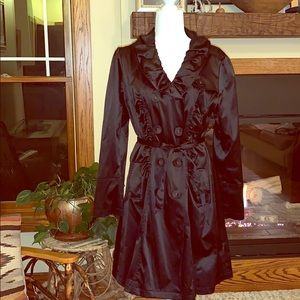 Lovely black light weight trench Large
